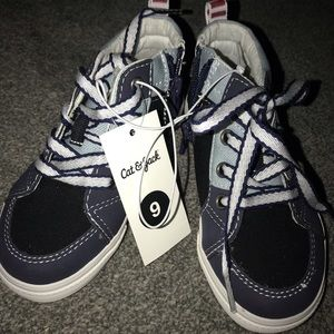 Brand New Cat & Jack Boys Size 9 Hightop Shoes